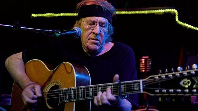 Zemřel Paul Kantner, zakládající člen kapely Jefferson Airplane