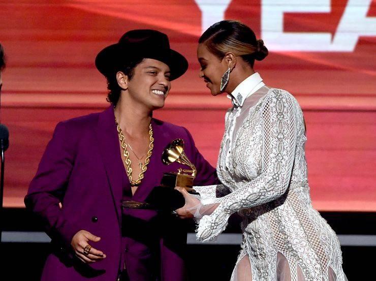 Grammy za Album roku má Taylor Swift, pět cen sebral Kendrick Lamar, tři Alabama Shakes