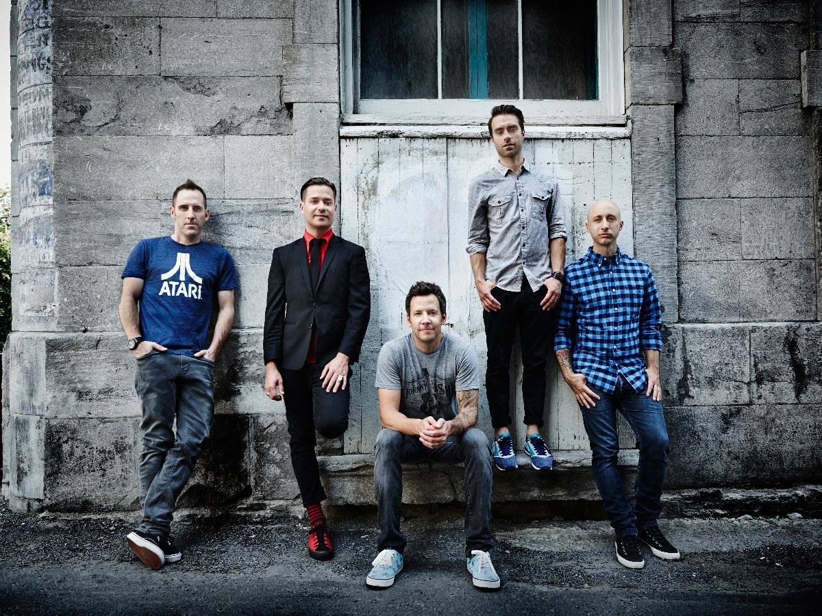 RECENZE: Simple Plan ve studiu zvlčili, novému albu to nepomohlo