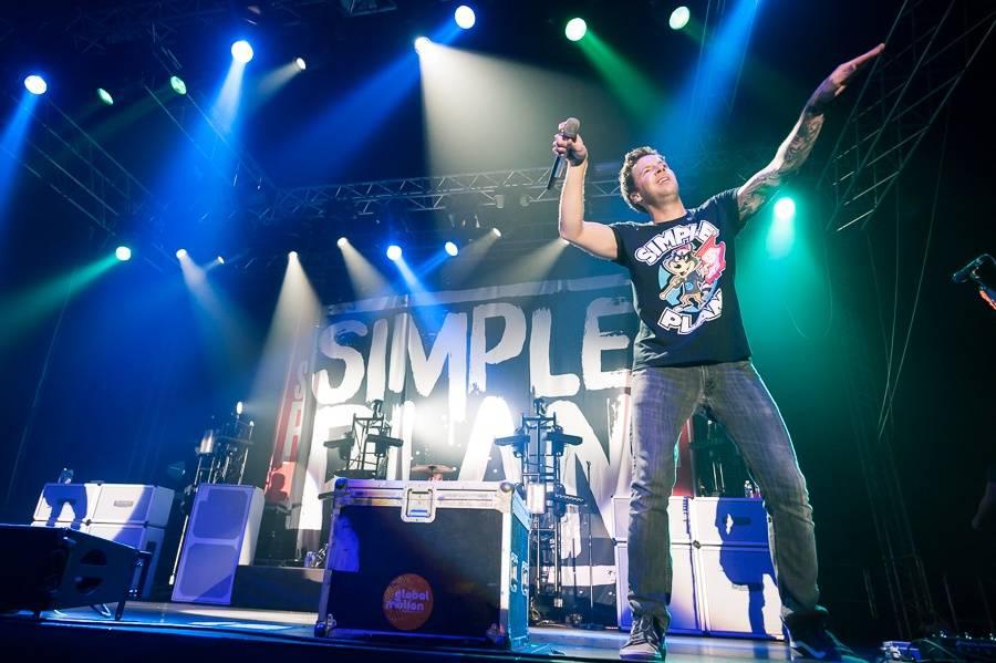 LIVE: Simple Plan své české ovečky přivedli na pokraj šílenství