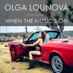 VIDEO: Olga Lounová zpívá o pádu na dno i o tom, že hudba dodává sílu