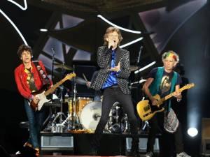Rolling Stones hráli na Kubě pro půl milionu lidí zadarmo