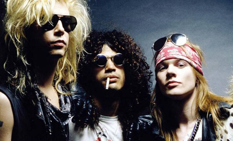 Guns N' Roses uspíšili svůj comeback: vystoupili v klubu za pár dolarů a ohlásili turné
