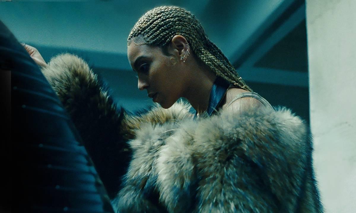 Beyoncé vstoupila podruhé do stejné řeky: Album Lemonade vydala bez ohlášení