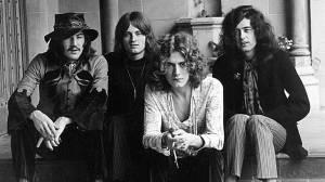 Robert Plant a Jimmy Page slaví: Led Zeppelin hit Stairway To Heaven neukradli, rozhodl soud