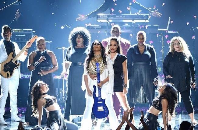 VIDEO: Bubenice Sheila E. řádila osm minut na pódiu, aby uctila památku Prince
