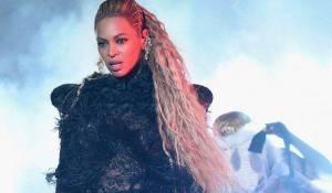 Beyoncé padaly ceny MTV z rukou, získala jich osm. Adele utřela nos
