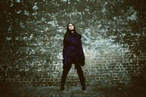 PJ Harvey se v Praze představí jako investigativní písničkářka
