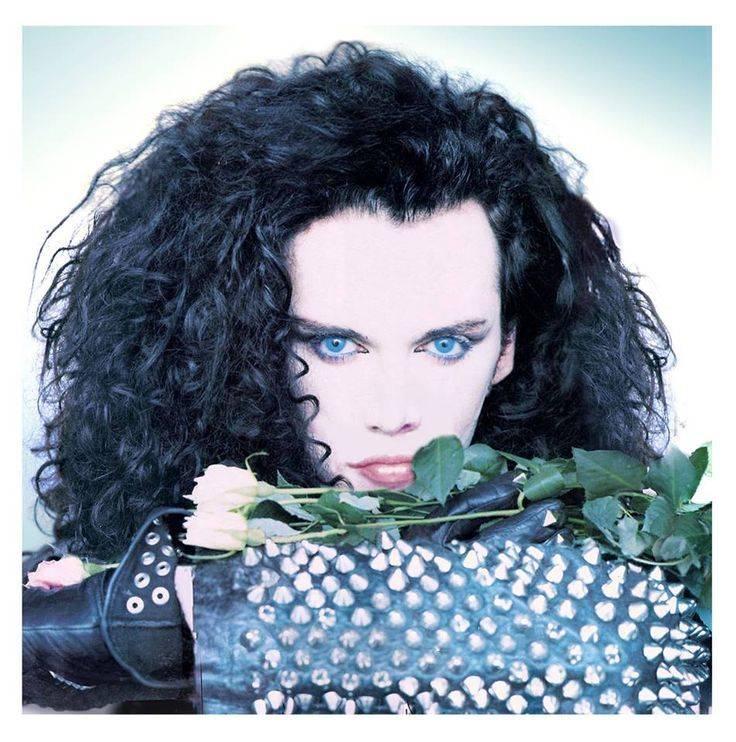 Zemřel Pete Burns, extravagantní zpěvák kapely Dead Or Alive