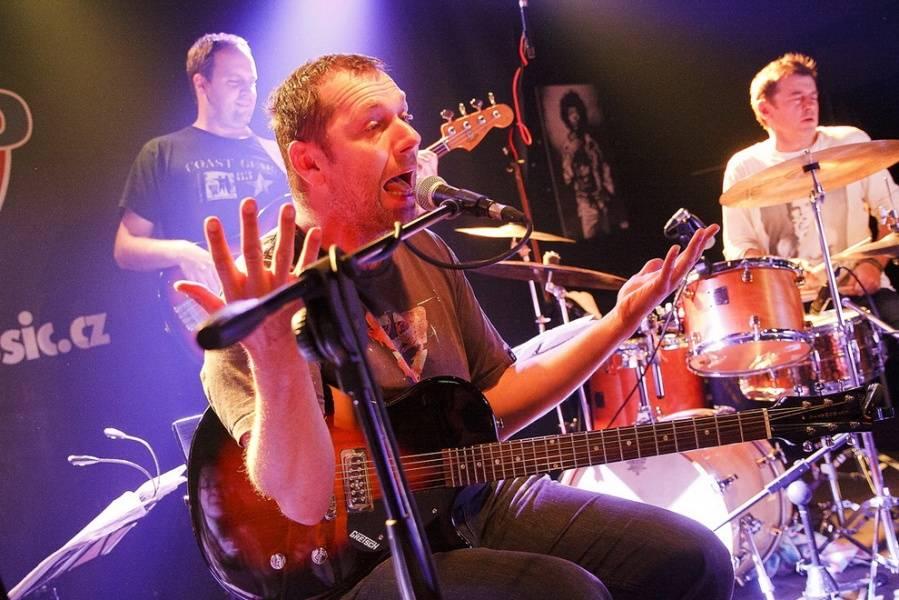 Xavier Baumaxa vydá desku duetů se zpěvačkami - po tom, co vybere peníze