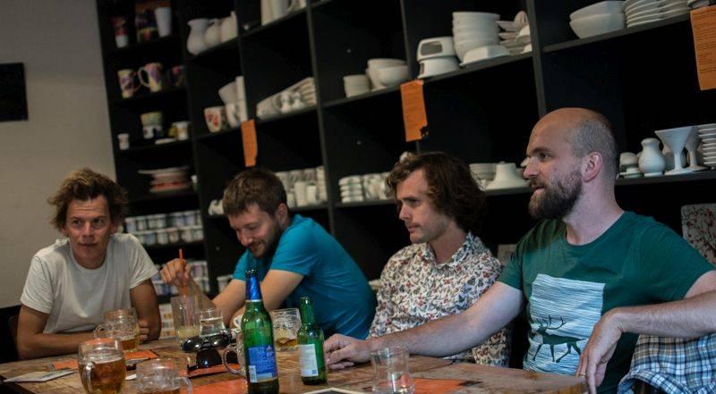 Prosincové turné Zrní bude česko-tibetské, v roli hosta vystoupí Loten Namling