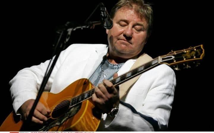 Zemřel Greg Lake, člen tria Emerson, Lake and Palmer podlehl rakovině