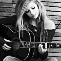 Avril Lavigne vydá v roce 2017 novou desku. Bude i o boji s lymskou boreliózou