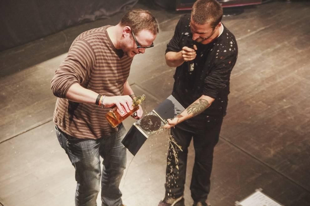 Nu-metalisté Crazy Town vrátí v Rock Café čas a vezmou nás na začátek tisíciletí. Budou u toho i The.Switch