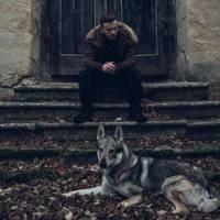 VIDEO: Je Lipo osamělý vlčák českého rapu? V novince Nebudu lhát kritizuje domácí scénu