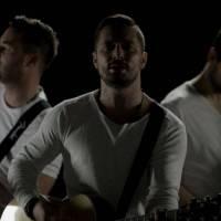 VIDEOPREMIÉRA: Hodiny slaví první výročí novým singlem Ze dna. S Kryštofem zahrají před vyprodaným Strahovem