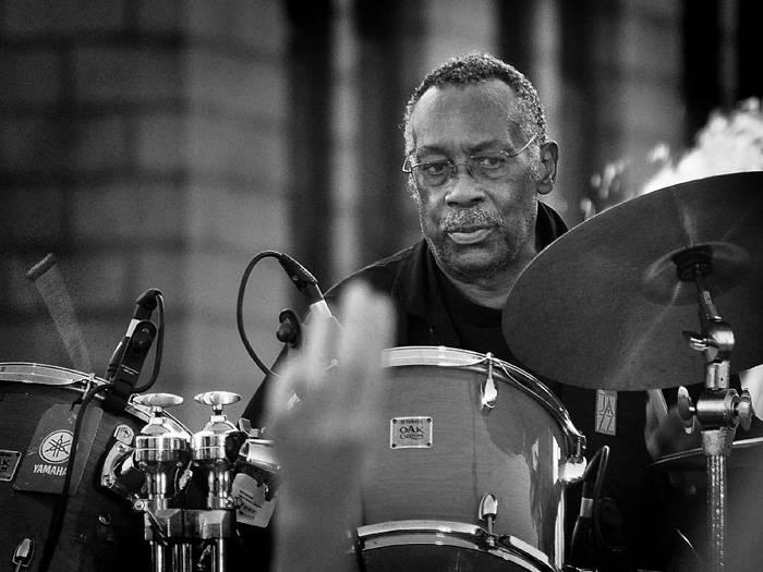 Zemřel Funky Drummer Clyde Stubblefield. Legendární bubeník nahrával s Jamesem Brownem a imponoval hiphoperům