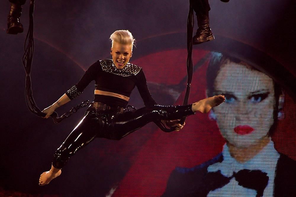 Pink se koncertem na Szigetu vrátí na pódia, Českou republiku bude reprezentovat Klara & The Pop