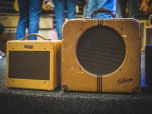 Sběratelé zajásají: Konečně i v Česku pořídí nástroje a aparaturu z doby Beatles, Jimiho Hendrixe nebo Led Zeppelin