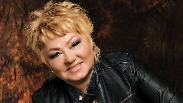 Zemřela Věra Špinarová, malá velká dáma českého poprocku. Bylo jí 65 let