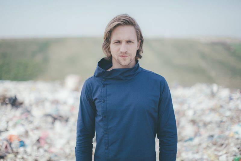 Tomáš Klus živ je: se svou Cílovou skupinou vydává své první live album