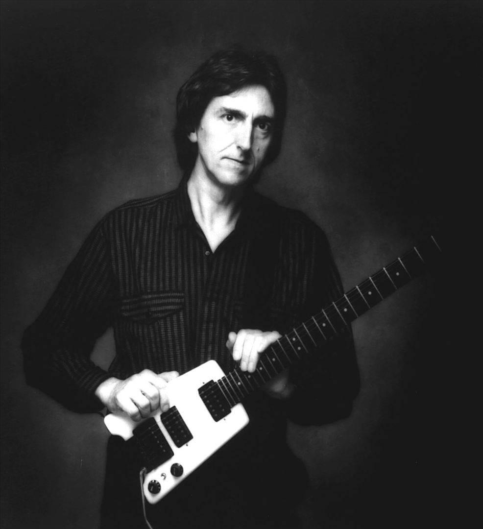 Zemřel kytarista Allan Holdsworth, kterým se inspirovali Eddie Van Halen, Joe Satriani i Michal Pavlíček