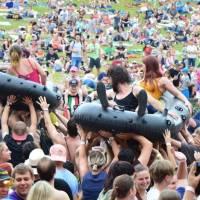 Festival Okoř se šťávou představil časový harmonogram, hlavními hvězdami budou Jelen nebo Horkýže Slíže