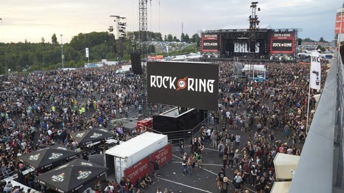 Německý festival Rock am Ring byl přerušen kvůli hrozbě terorismu