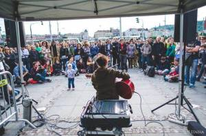 Praha znovu ožije hudbou. Umění v ulicích podpoří Tomáš Klus, Emma Smetana nebo držitel Grammy Ondřej Pivec