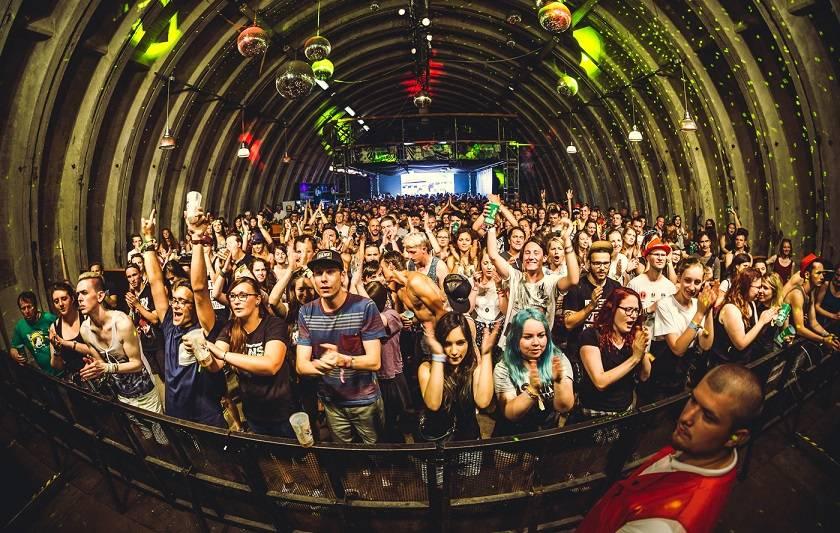 Rock for People přinese novinku Nouvelle Prague Hangar. Slibuje diskuze o YouTube i volbě prezidenta