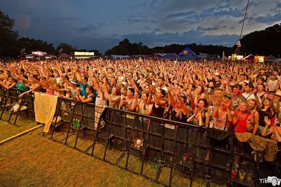 Na festivalu Přeštěnice zahrají Rybičky 48, Jelen i Mandrage, nedočkavci mohou vyrazit už na čtvrteční večírek