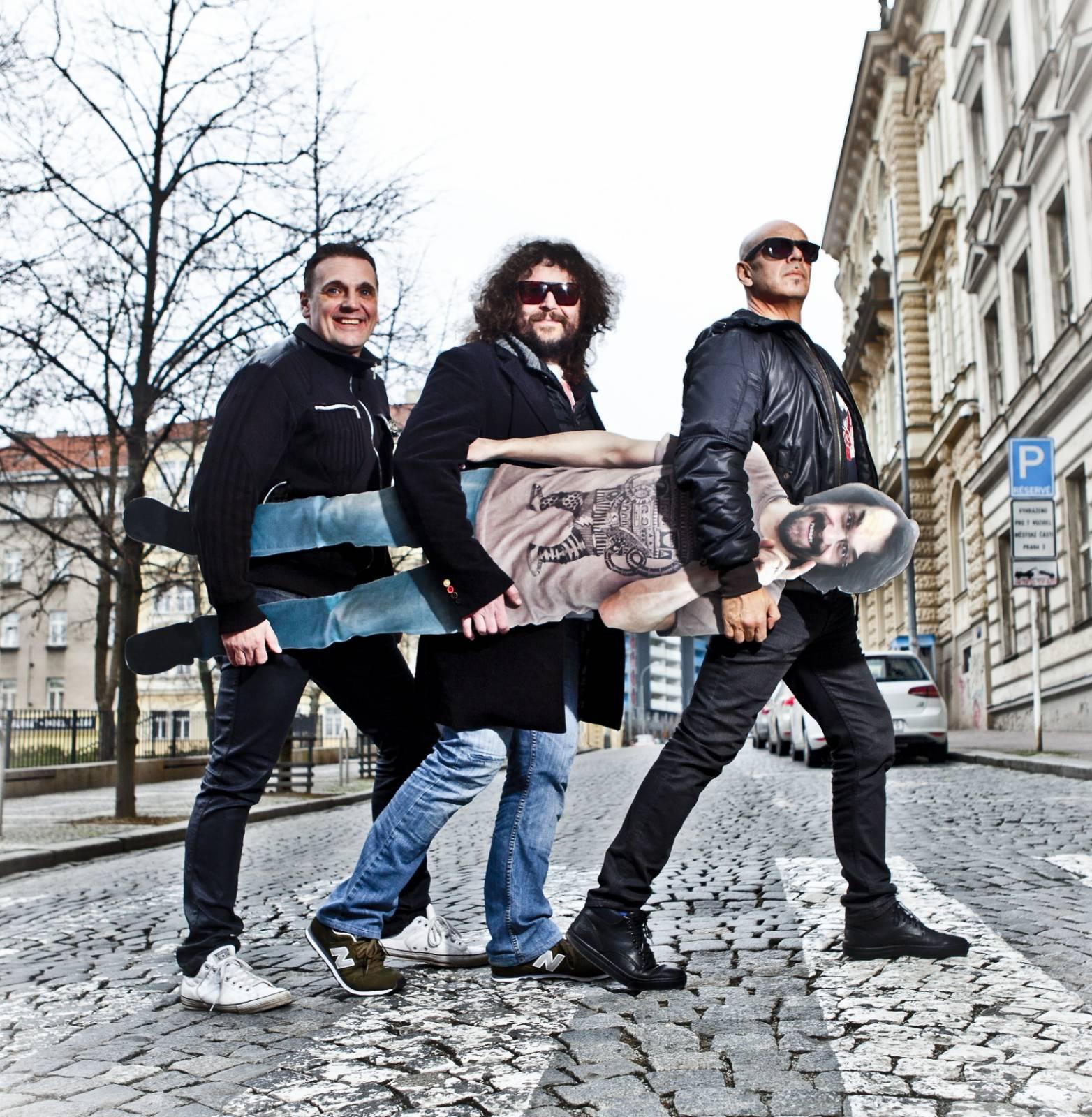 J.A.R. budou eskalovat dobro i z gramofonů. Jejich poslední deska právě vychází na vinylu
