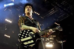 AUDIO: Punková superkapela sdružila lídry Green Day a Rancid. Poslechněte si první singl Armstrongs