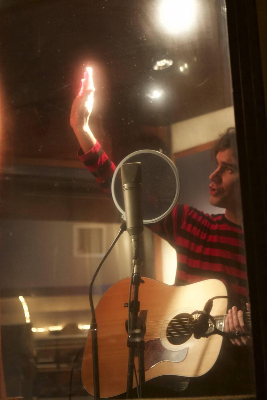 VIDEO: James Harries představuje berlínský singl a slibuje nové EP i podzimní turné