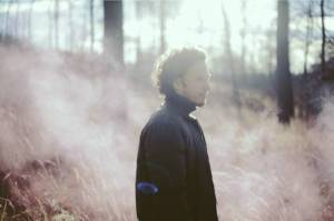 Peter Aristone zpívá na novém EP o nejšťastnějších náhodách