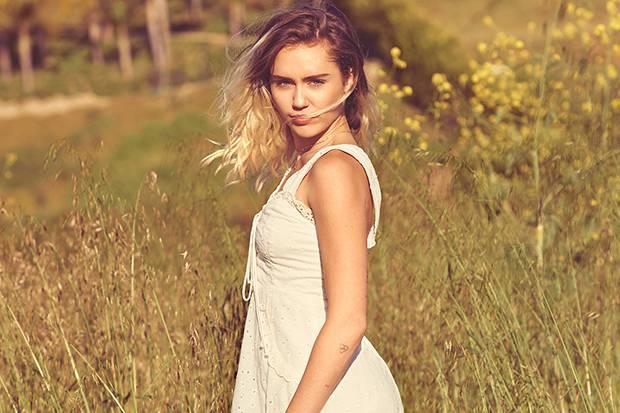 Nové desky: Miley Cyrus se vrací ke country, Imodium pracují se živly