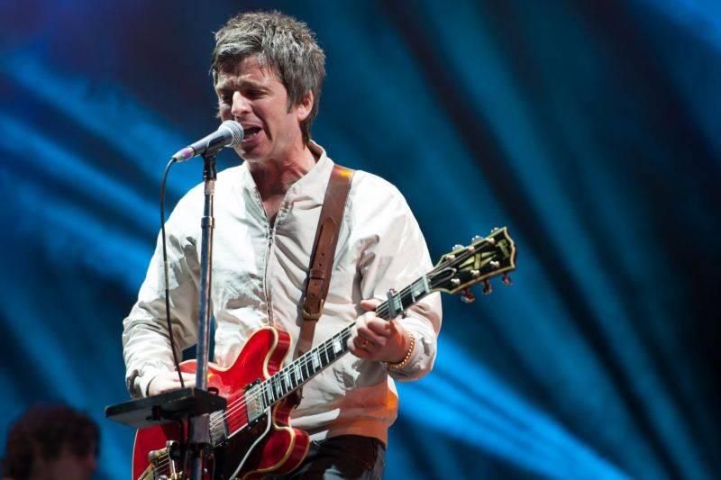 Noel Gallagher se svými High Flying Birds vzlétne příští rok v pražské Lucerně