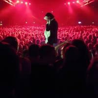 Nick Cave a The Bad Seeds přenesou intimní atmosféru svého turné na plátna kin