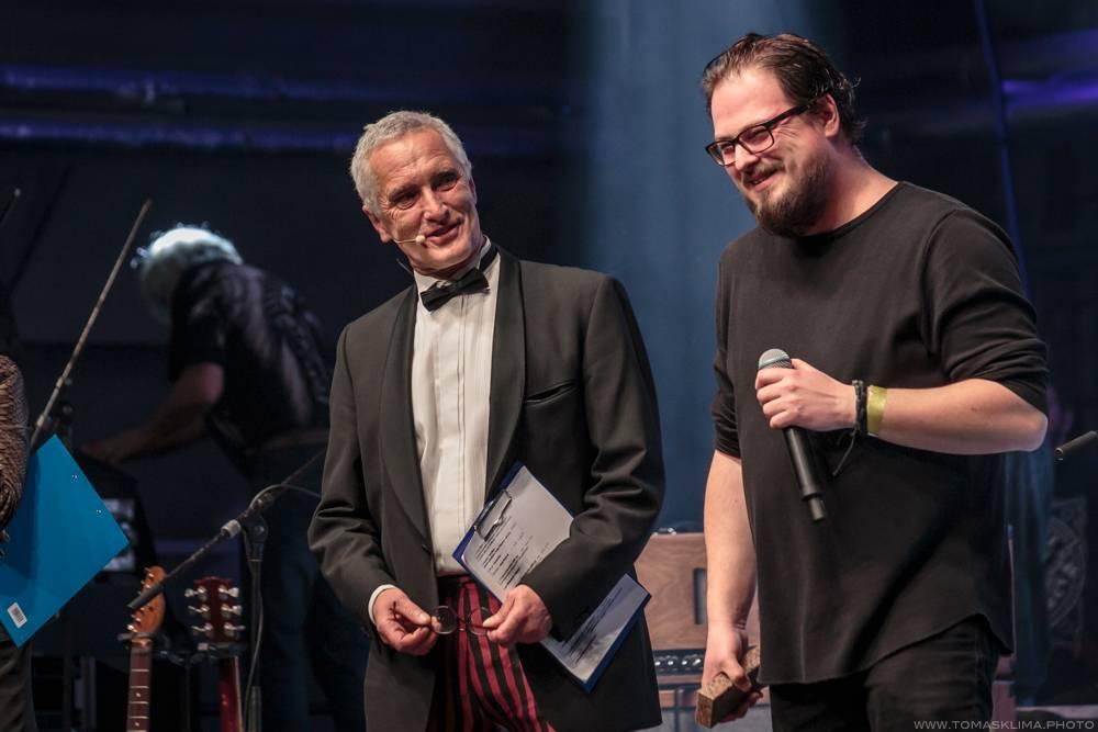 Žebřík: Nejvíc cen si odnesli Tomáš Klus, Mydy Rabycad a David Stypka. Zpěváky roku jsou Michal Hrůza a Anna K.