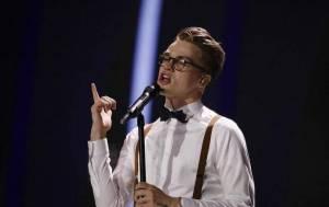 Mikolas Josef navzdory zranění postoupil do finále Eurovize. Česká republika uspěla teprve podruhé v historii
