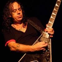Zemřel metalový kytarista Ralph Santolla. Hrál v kapelách Deicide nebo Obituary