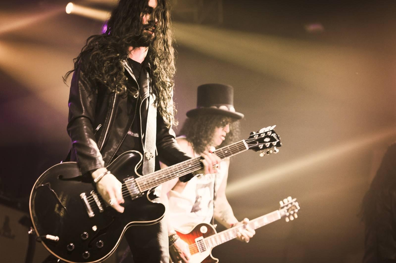 Slash a Myles Kennedy míří do Prahy
