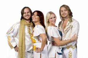 Hity skupiny ABBA rozezní pražskou Tipsport arénu. The Show je prý nejlepší revival švédské legendy