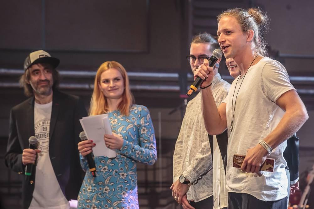 Anketa Žebřík: Ceny pro Lucii, Monkey Business, Tomáše Kluse, Marpa i Barboru Polákovou