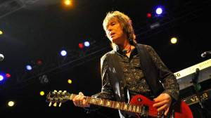Zemřel Paul Raymond, kytarista a klávesista UFO