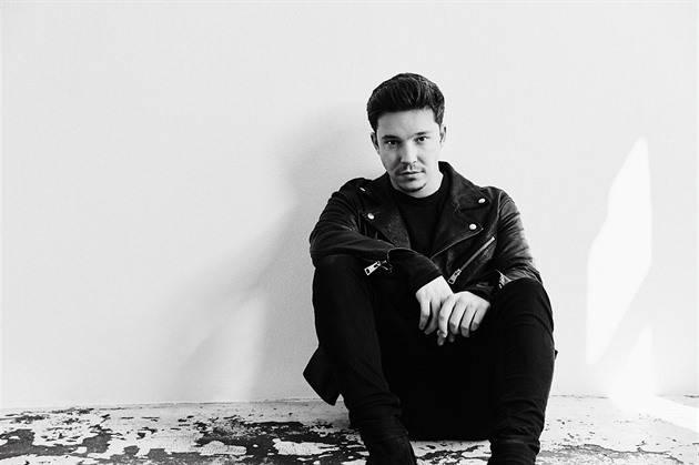 Německý písničkář Nico Santos vystoupí na Global Social Awards