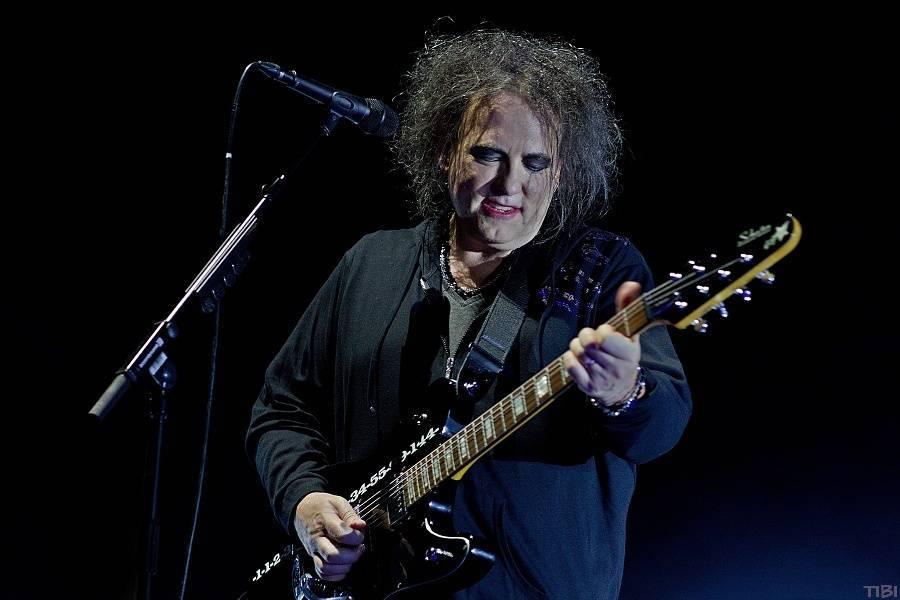 VIDEO: Podívejte se na živé vysílání koncertu The Cure z australského Sydney
