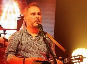 Zemřel zpěvák skupiny Hex Peter Dudák. Ve věku 46 let podlehl rakovině