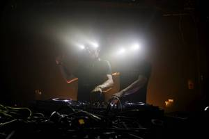Věhlasné britské elektronické duo Orbital vytvořilo remix českého Floexe