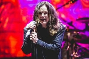 Ozzy Osbourne vinou zdravotních problémů překládá evropské turné, včetně pražského koncertu